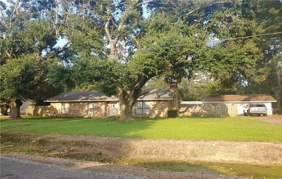 19584 Monnic Dr, Jennings, Louisiana 70546, 3 Bedrooms Bedrooms, ,2 BathroomsBathrooms,House,For Sale,Monnic Dr,1010
