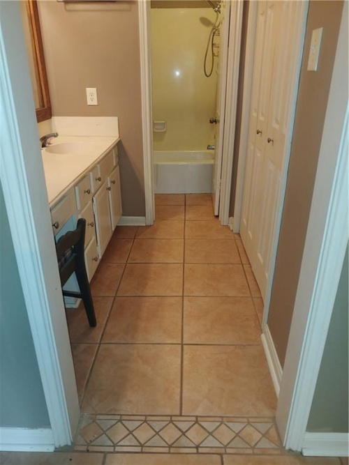 15 Courtyard Circle, Lafayette, Louisiana 70508, 2 Bedrooms Bedrooms, ,2 BathroomsBathrooms,House,Under Contract,Courtyard Circle,1008